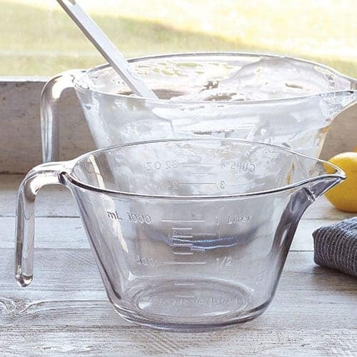 Pampered Chef Glass Measuring Bowls| 10 Must-Have items for your RV Kitchen | www.streetswander.com